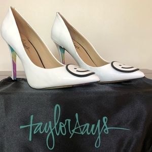 Taylor Says Be Happy White Leather Pumps 9.5
